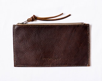ZIP WALLET Henna Brown • Oil Tanned Leather Case