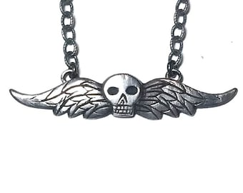 Taphophile necklace in sterling silver (winged skull, death's head)