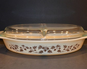 Vintage Gold Acorn on Ivory 1.5 Quart Divided Pyrex Casserole Dish.