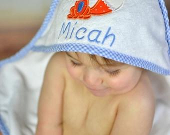 Fox Baby Gift, Baby Bath Towel, Personalized Baby Towel, Monogrammed Bath Towel, Fox Nursery, Toddler Boy Towel