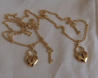 Caroline Emmons Dorothy's Secrets Necklace 3223 & Bracelet 4223 Set  Vintage, Golden, Lock
