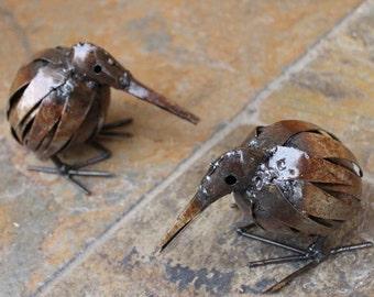 Metal Kiwi Garden Ornament Sculpture Art - Handmade Recycled Metal Bird
