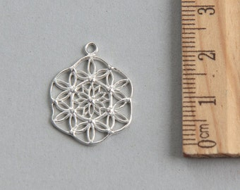SALE, Filigree Flower Charm, Sterling silver charm, Sterling Silver Filigree Charm, Sterling Silver Circle, Silver Pendant, 17mm ( 1 piece )
