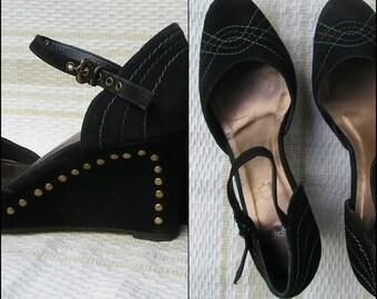 Vintage ESPRIT suede embroidered platform Mary Janes, size 39 (EUR), 8.5 (US)