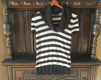 Striped Cowl Neck Cashmere Sweater Slouchy Loose Mock Turtleneck Short Sleeve Tunic Top Black and White Vintage BCBG Maxazria Womens Medium