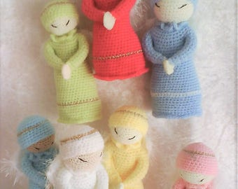 A set of 7 mini Angels