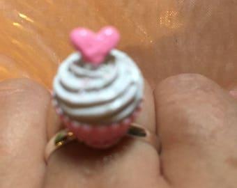 Cute cupcake pink heart ring