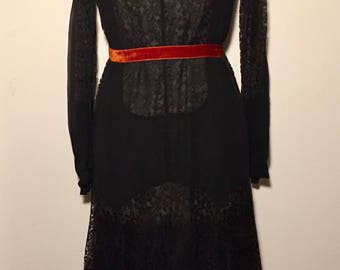 Vintage 20s 30s Black Dress in Lace and Chiffon