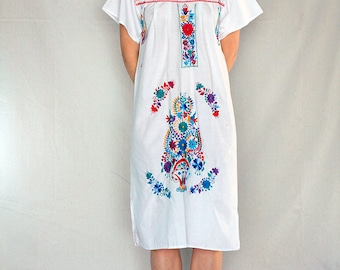 SALE Vintage 70's Mexican Hand Embroidered Peasant Dress /  Mexican Market Dress / 70's Boho Mexican Caftan /Oaxacan Embroidered Dress