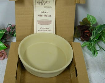 The Pampered Chef 8 inch Mini Baker in Orginal Box