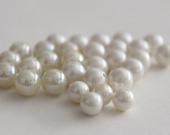 ONLY LOT - Vintage round white pearl beads - some AB finish - 8mm 10mm (30)