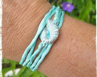 Bracelet of silk Shell