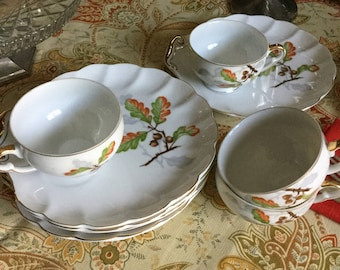 Vintage Japan Fall Leaves and Acorns Snack/Luncheon Plates/Cups