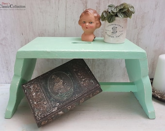 Vintage chippy mint green wooden stool ~ Step stool ~ Vintage chic ~ Fixer Upper decor ~ Shabby Chic ~ hw3124