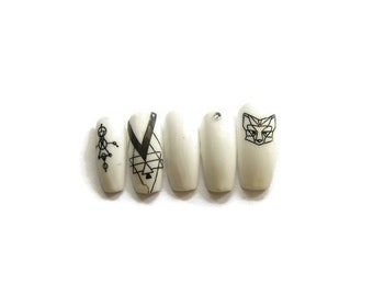 GEOMETRIC NAILS - press ons - false nails - fake nails - black nails - white nails - animals - hipster - cute - pretty - stiletto - coffin