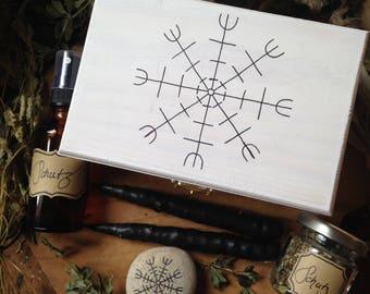 Schutz-Set / Schutz / Magie / Vikinger / Runen / Helm of Awe / Aegishjalmur / Räuchern / Heidentum / Pflanzenessenz / Auraspray / Kerzen