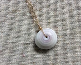minimalist hawaiian puka shell necklace