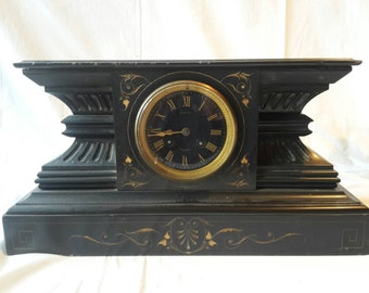 Fratsse wooden clock