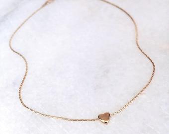 Petit Heart Necklace / Minimal Gold Necklace / Dainty Gold Necklace / Bridesmaids Necklace / Minimalist Pendant Necklace / Tiny Heart