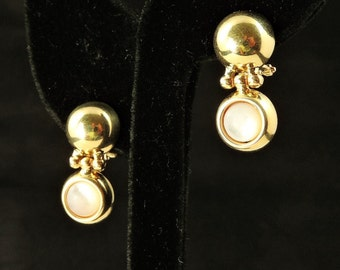 14k Yellow Gold And Mother Of Pearl Earrings
