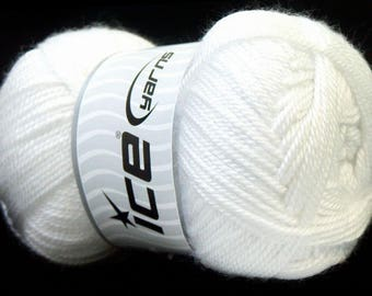 balls of acrylic yarn in 100grs brand ICE white color