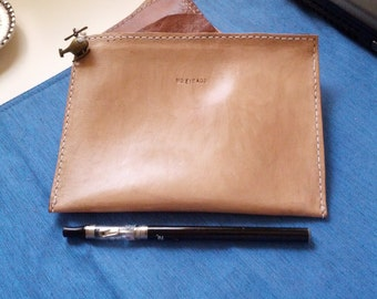 Veg tanned leather case in natural with zipper