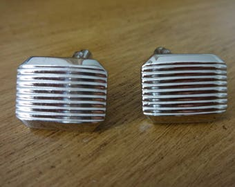 Hickok Silver Tone Geometric Cuff Links Conservative Clean and Classy