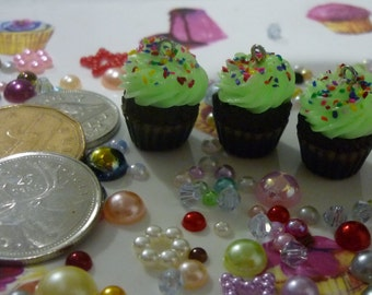 Glow in the Dark Cupcake Charm/Zipper Pull