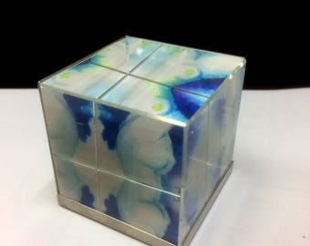 Glass cube 05 with Aktaquarellen, file in glass cube, nude art in a glass cube, watercolorpainted nudes, Kaleidoscope, kaleidoscope