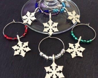 Snowflake wine glass charms / Christmas wine glass charms / Christmas table decor / wine glass charms / Christmas gift / wine lover gift