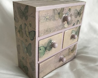 Lilac butterfly drawers