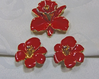 Vintage Vibrant Red Flower Brooch and Clip-on Earrings