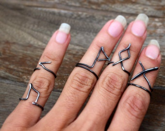 SET OF 3 Futhark Rune Ring, Black Iron Wire Rings Jewelry Handmade, Knuckle Midi Rings Set