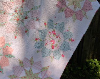 Queen Size Shabby Chic Swoon Quilt