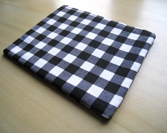 BLACK & WHITE PLAID - MacBook Pro MacBook Air 13 inch Macbook Pro 15 Inch Laptop Sleeve Cover Bag - Padded and Zipper Closure