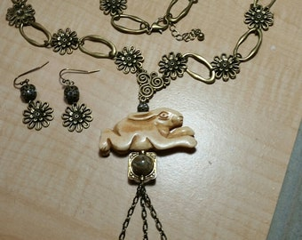 Flower Rabbit Necklace Set