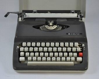 Chevron 63 Working Typewriter, Portable Typewriter, Vintage Typewriter, Gray Typewriter, Manual Typewriter, Retro Typewriter