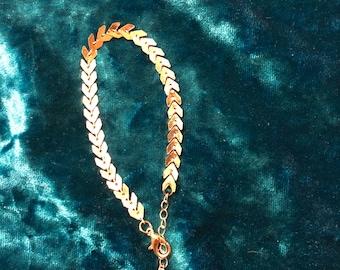 Dainty Gold Arrow Bracelet