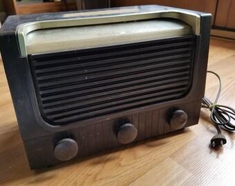 Antique RCA Victor Model 2x621 Tube Tabletop AM SW Radio Bakelite, 1950s, Still Works!