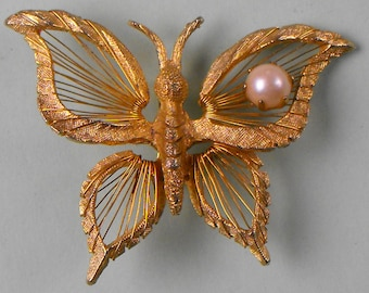 Goldtone BROOKS Butterfly with Pearl