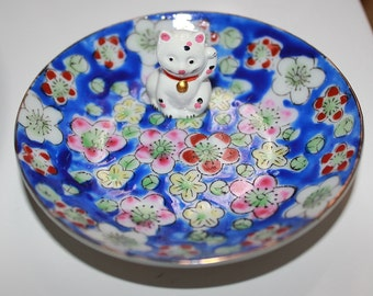 Maneki-Neko Lucky Cat & Cherry Blossoms Ring Dish Jewelry Catch All-- Blue White Pink