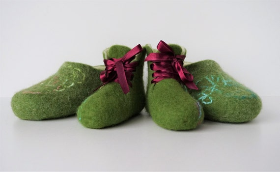 slippers slippers Felted family white felted mom Organic baby slippers wool slippers set felted and green booties kids slippers qPAqCpwrF
