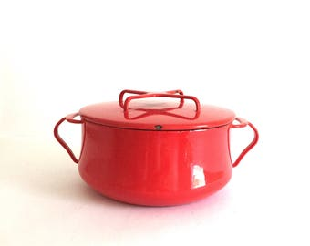 Red Dansk Kobenstyle 2 Quart Dutch Oven - Designed by Jens Quistgaard