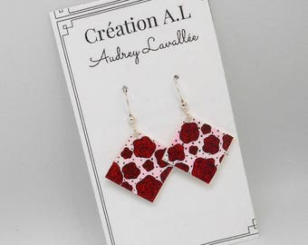 Pink earrings rouges.1, 6 cm. square. Handmade Quebec.rouge, black and white, romance.