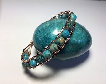 Copper wire and turquoise beads bracelet