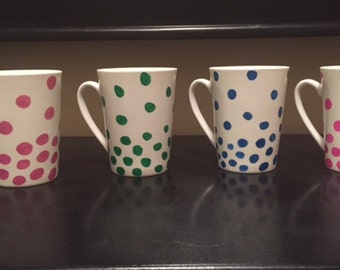 Colorful polka dot mug set