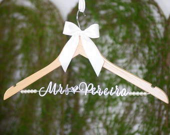 Wedding Hanger Personalized Wedding Dress Hanger, Custom Bride Name Bridal Hanger, Bridesmaid Hanger, Bridal Wedding Shower Gift vet0011