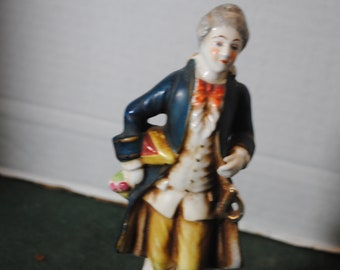 Moriyama Made in Occupied Japan Colonial Gentleman Figurine about 9 inches tall