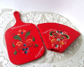 Red Home Decor kitchen wall hanging Mock Cutting Board and Pocket Holder Norwegian Tole Artwork Hand Painted Wood