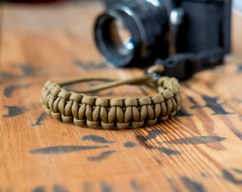 Camera Wrist Strap – Coyote Brown / Gunmetal Clip – apmots - Sling Paracord Mirrorless DSLR Compact